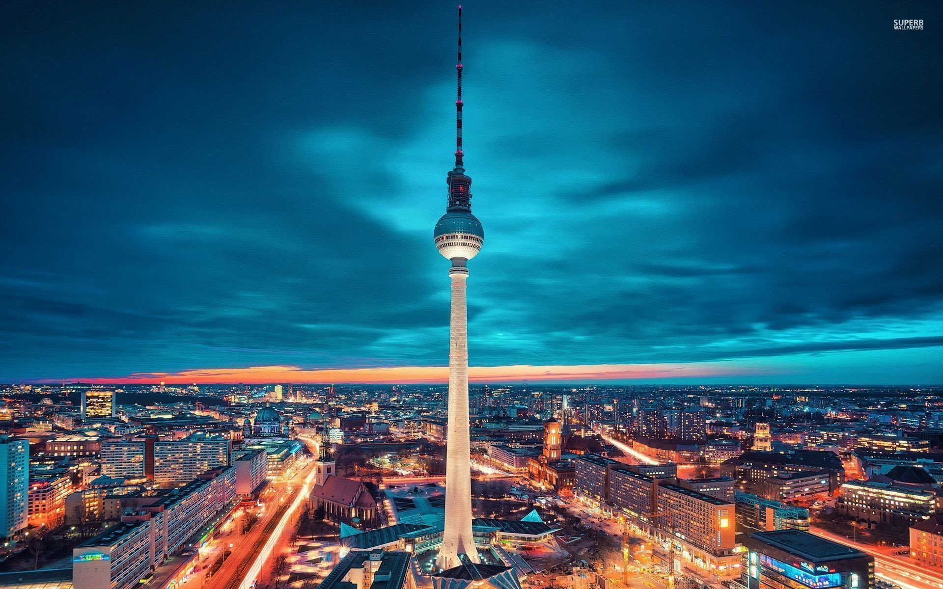 1920x1200 Bild Fernsehturm Berlin Wallpapers And Stock Photos A